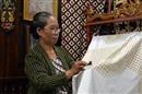 Batik maakster